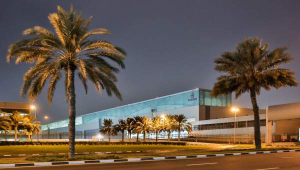Polycarbonate Click Fix - Emirates Maintenance Hangar